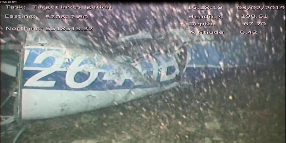 Τα συντρίμμια του μονοκινητήριου Piper Malibu στο οποίο επέβαιναν ο πιλότος, 59 ετών, και ο πρώην επιθετικός της Νάντης Εμιλιάνο Σάλα