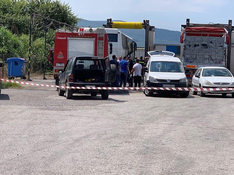 Αστυνομικές δυνάμεις στο σημείο όπου εντοπίστηκε το πτώμα