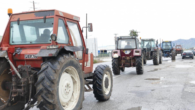 αγροτες τρακτέρ
