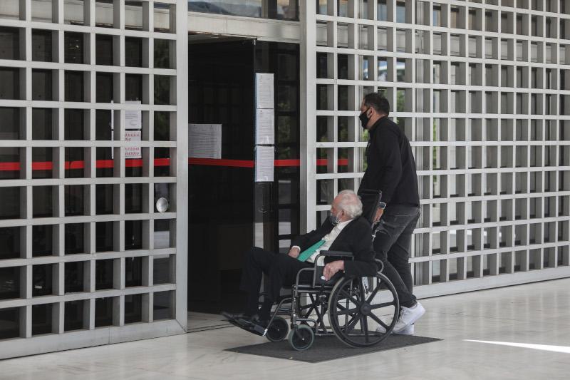Στο κτήριο του Αρείου Πάγου ο Άκης Τσοχατζόπουλος παρέμεινε περίπου μισή ώρα