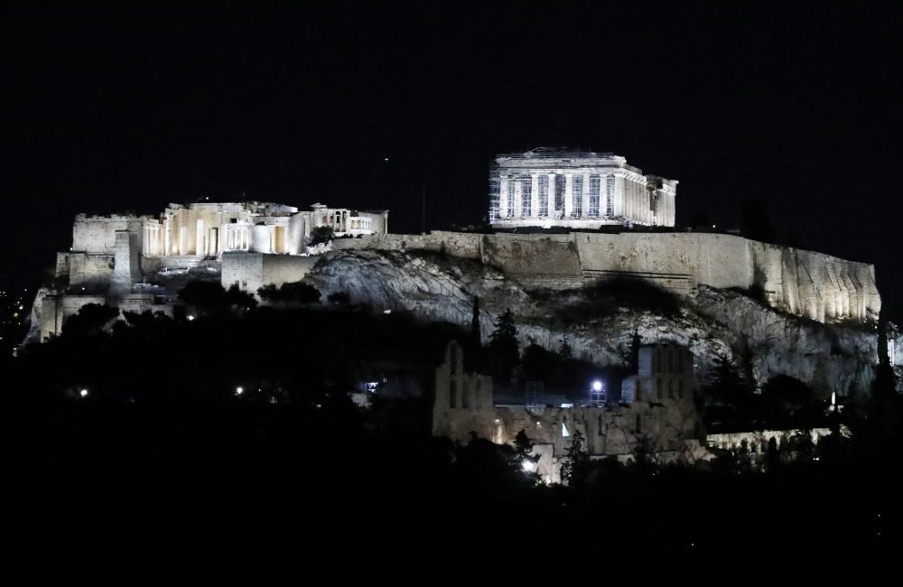 Ο νέος φωτισμός της Ακρόπολης δια χειρός Ελευθερίας Ντεκώ