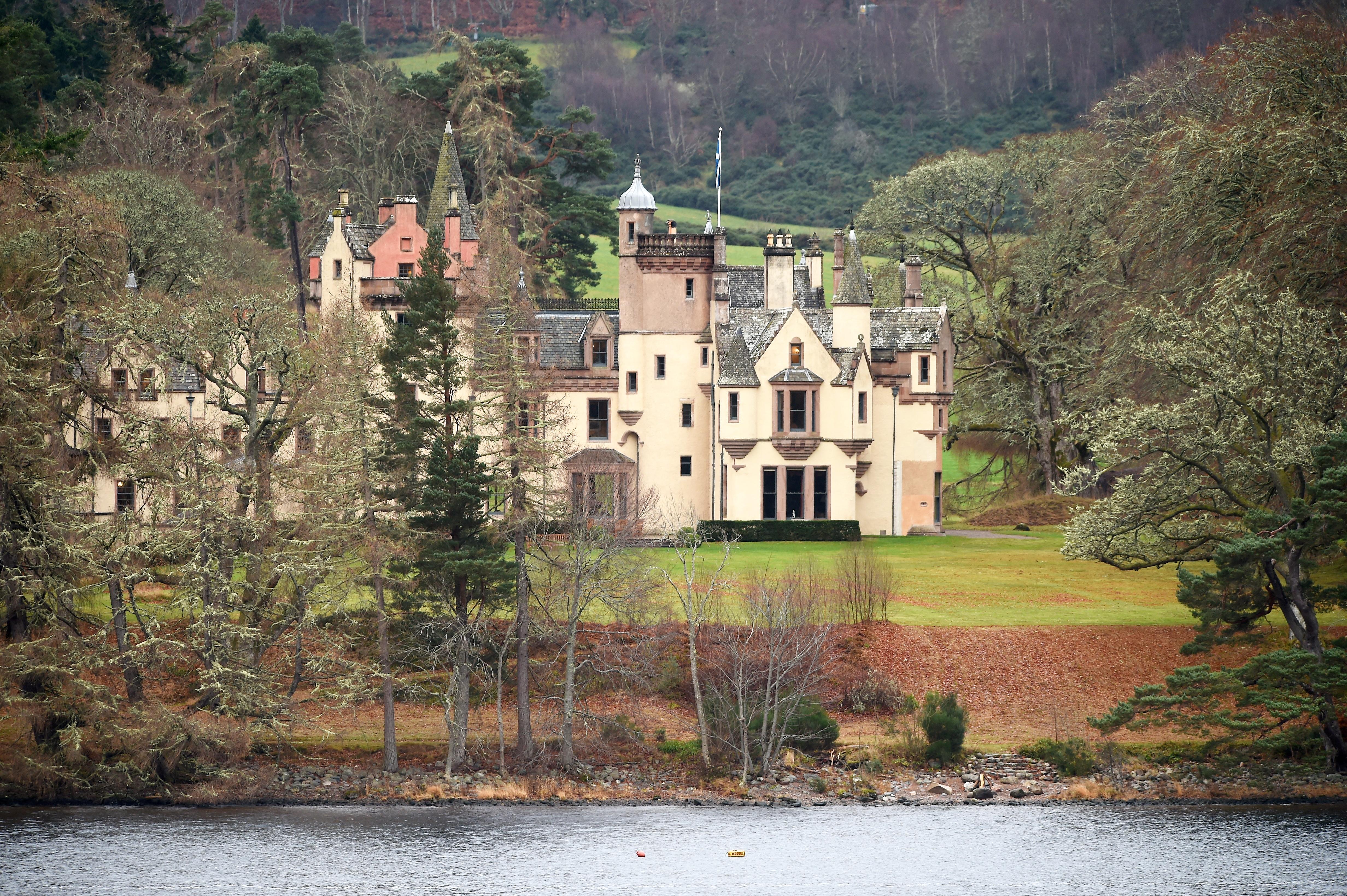 Το Aldourie κάστρο