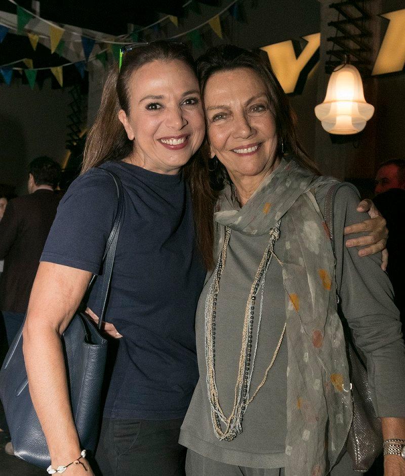 Η ηθοποιός Χριστίνα Αλεξανιάν με την σεναριογράφο του «Λόγω Τιμής», Μιρέλλα Παπαοικονόμου