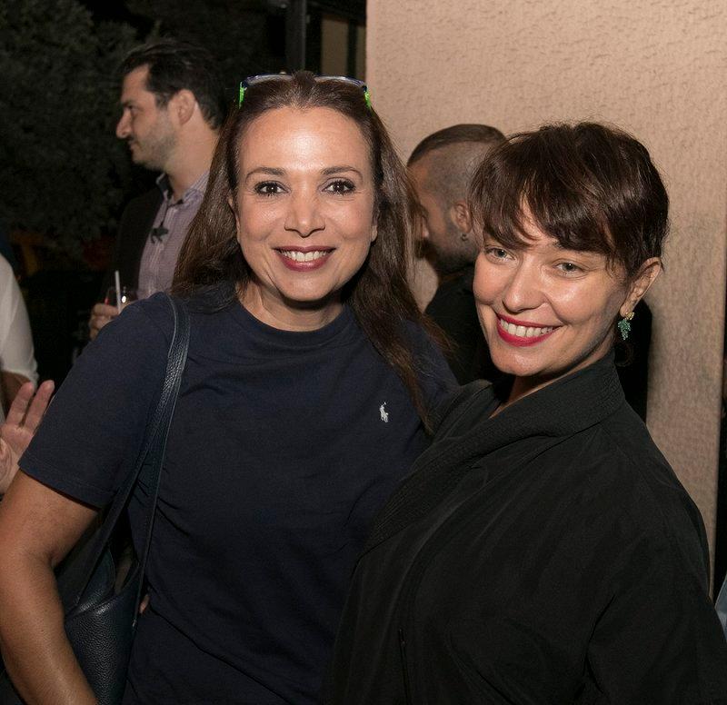 Η Χριστίνα Αλεξανιάν με την Κατερίνα Μισιχρόνη στην αβάν πρεμιέρ της σειράς «Λόγω Τιμής»