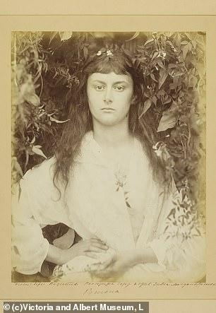 Η Αλις Λίντελ, η γυναίκα που ενέπνευσε την Αλίκη στη χώρα των θαυμάτων του Λιούις Κάρολ
