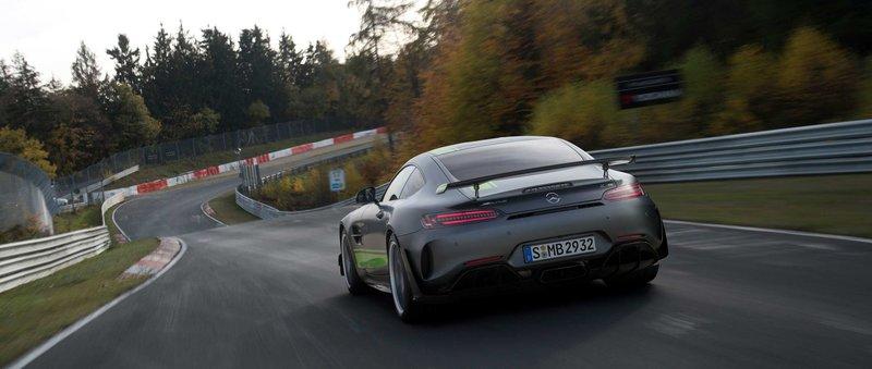 Απιαστη στην πιστα η Η Mercedes-AMG GT R Pro