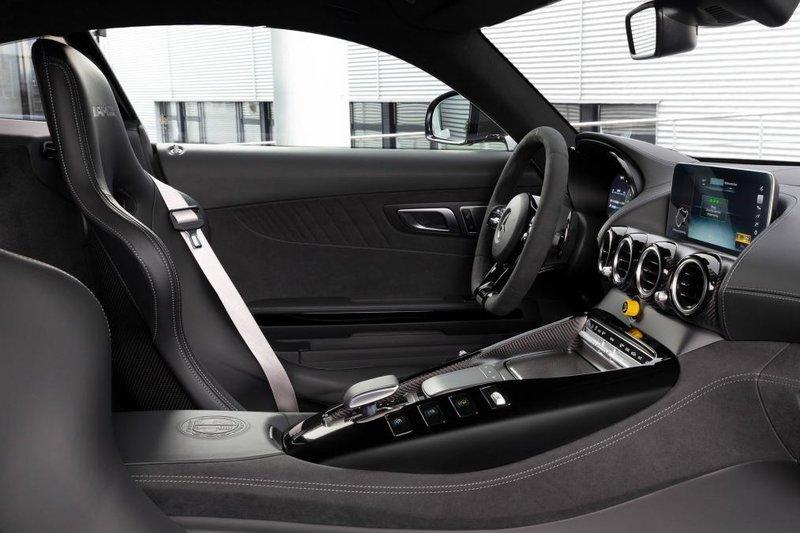 Μαγεία το εσωτερικό της Mercedes-AMG GT R Pro