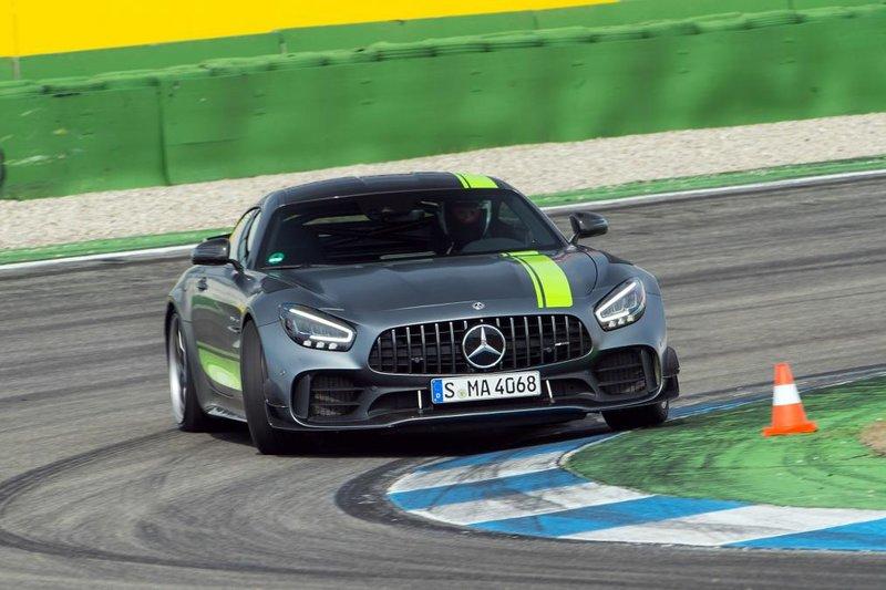Η Mercedes-AMG GT R Pro δεν έχει αντίπαλο