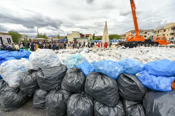 Ανακύκλωση για ρεκόρ Γκίνες στα Γιάννενα