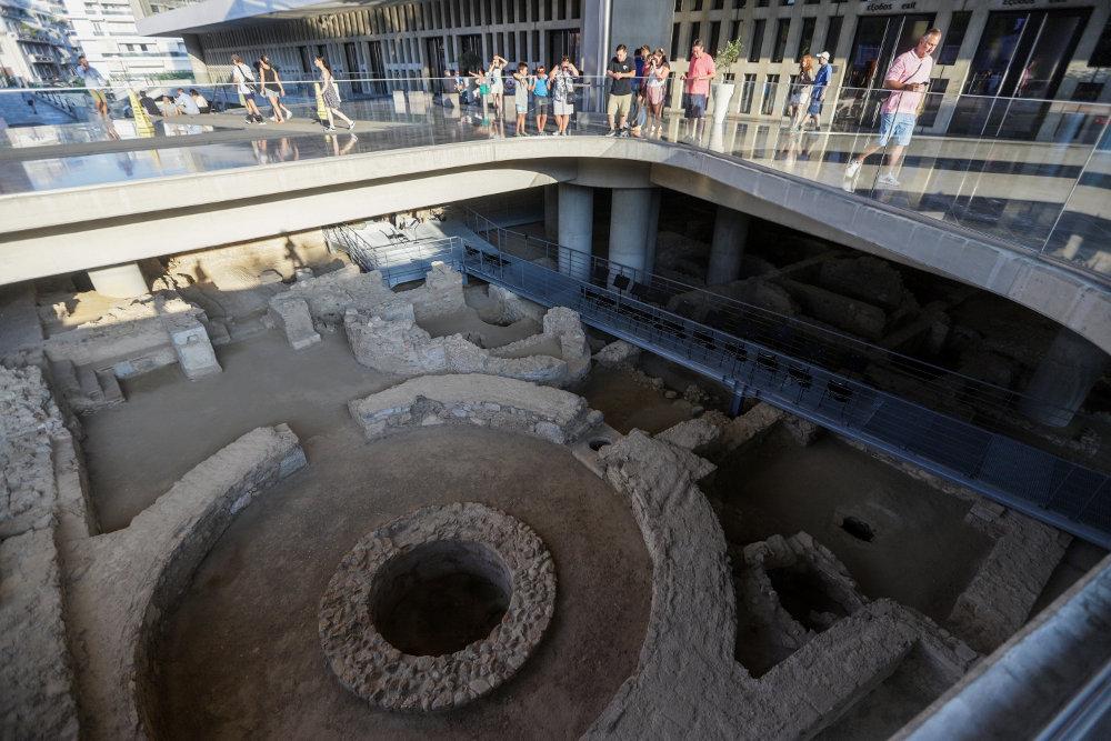 Ιστορικό ταξίδι από την κλασική αρχαιότητα ως την βυζαντινή Αθήνα κάτω από το Μουσείο της Ακρόπολης