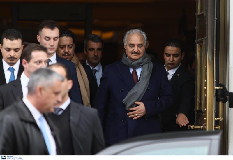 Η στιγμή της αναχώρησης του Λίβυου Στρατάρχη