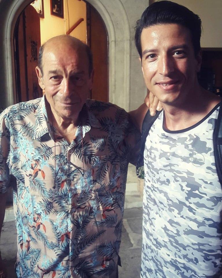 Με τον Μανούσο Μανουσάκη μετά τα γυρίσματα της σειράς «Το Κόκκινο Ποτάμι»