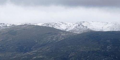Ασπρα τα βουνά της Άνδρου