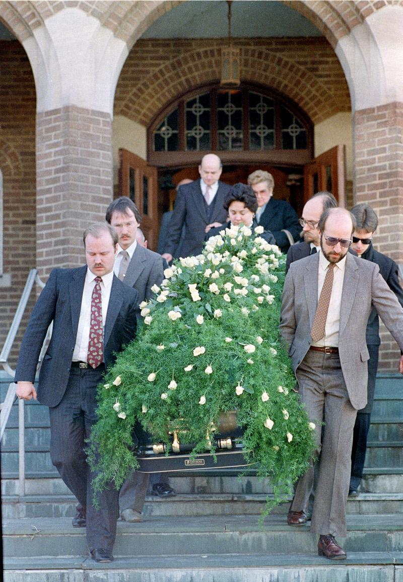 κηδεία Αντι Γουόρχολ
