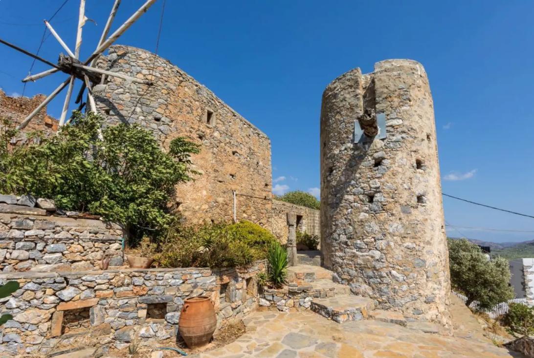 Παραδοσιακός ανεμόμυλος στην Κρήτη