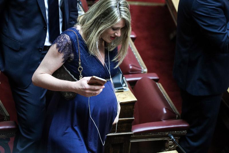 Αννα Ευθυμίου έγκυος στη Βουλή