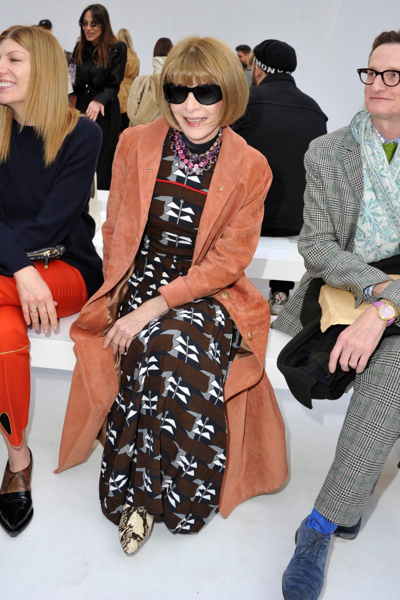 Η Άννα Γουίντουρ μετά την Εβδομάδα Μόδας στο Μιλάνο πήγε και στο Παρίσι