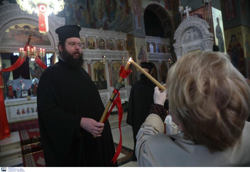 άρση μέτρων άνοιξαν εκκλησίες για προσευχή