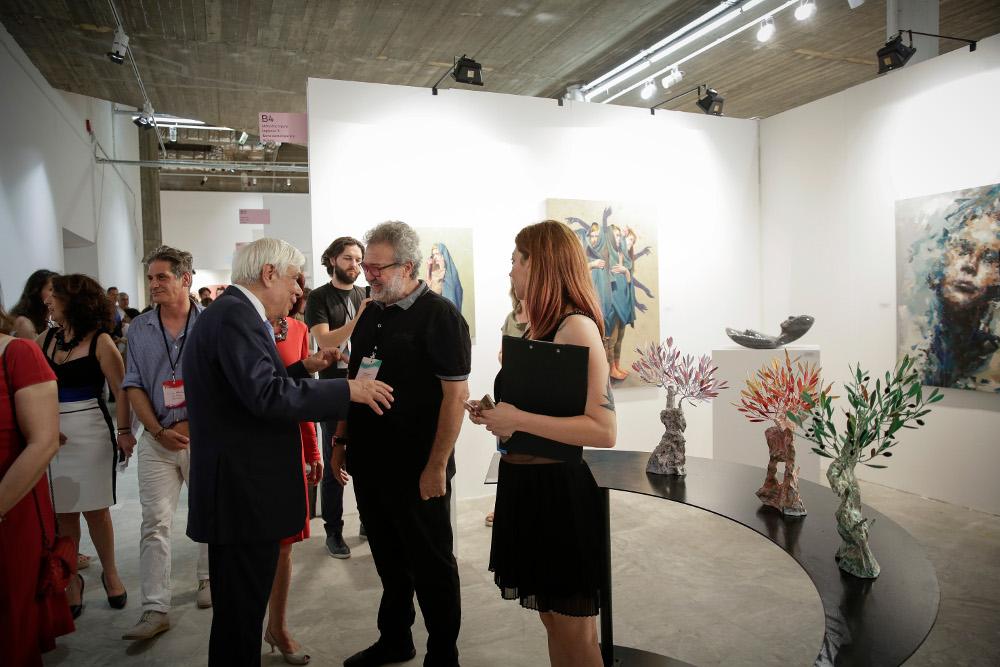 Ο Προκόπης Παυλόπουλος στα εγκαίνια της περσινής Art Athina