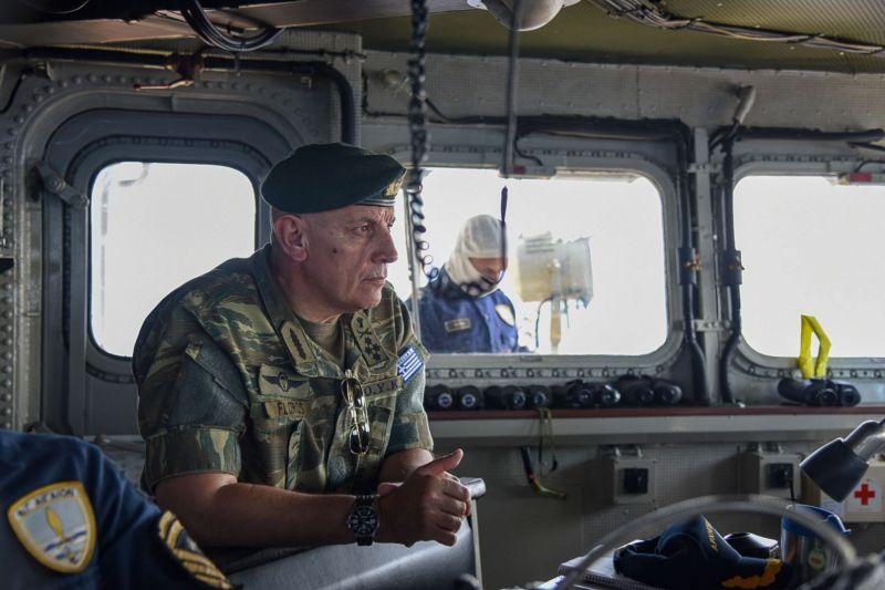 Ο Αρχηγός ΓΕΕΘΑ Στρατηγός Κωνσταντίνος Φλώρος παρακολουθεί την άσκηση