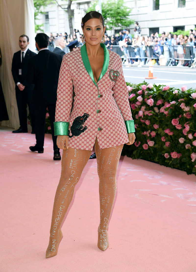 Η Ασλει Γκράχαμ με σακάκι Gucci