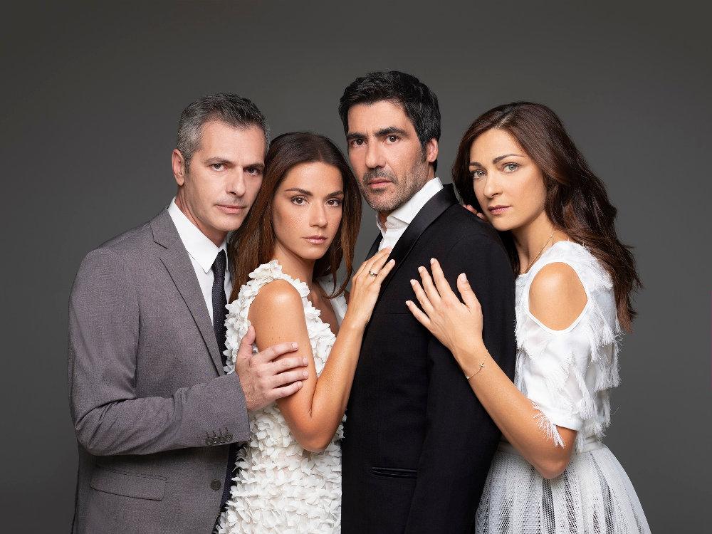 Ο Μάριος Αθανασίου, η Βάσω Λασκαράκη, ο Αντώνης Καρυστινός και η Έμιλυ Κολιανδρή, πρωταγωνιστές της νέας σειράς «Έρωτας Μετά»