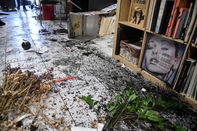 Μεγάλες ζημιές στα γραφεία της Athens Voice