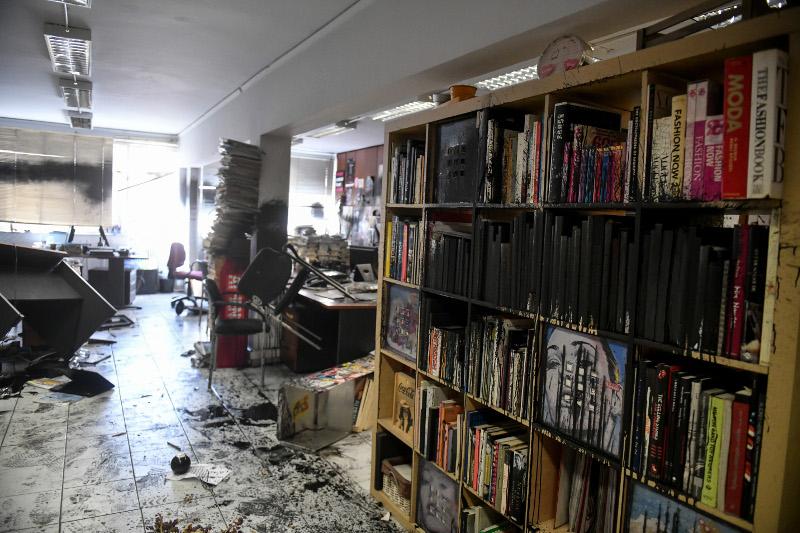 Τα γραφεία της Athens Voice μετά την επίθεση