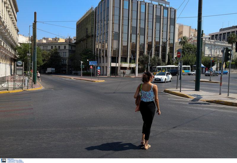 Αδεια η Αθήνα τον Δεκαπενταύγουστο