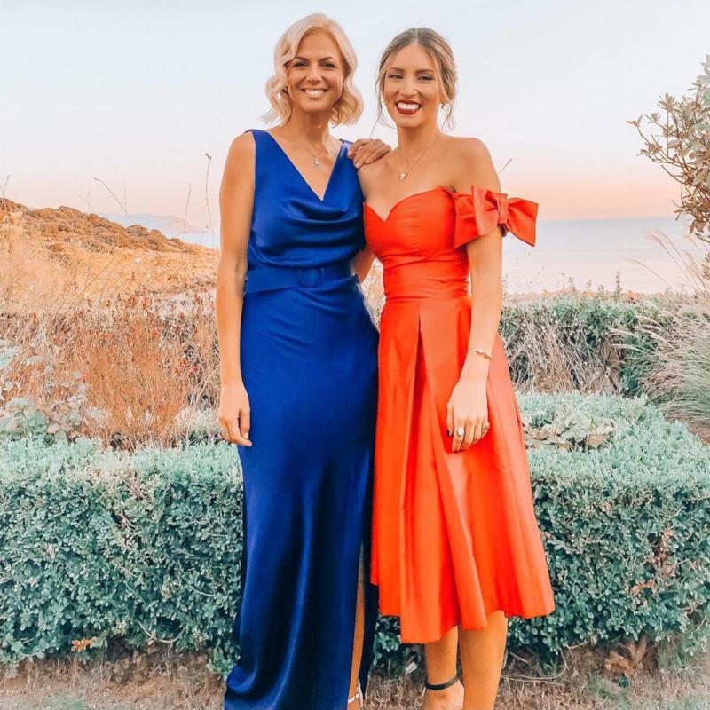Η Αθηνά Οικονομάκου με εντυπωσιακό πορτοκαλί Celia kritharioti