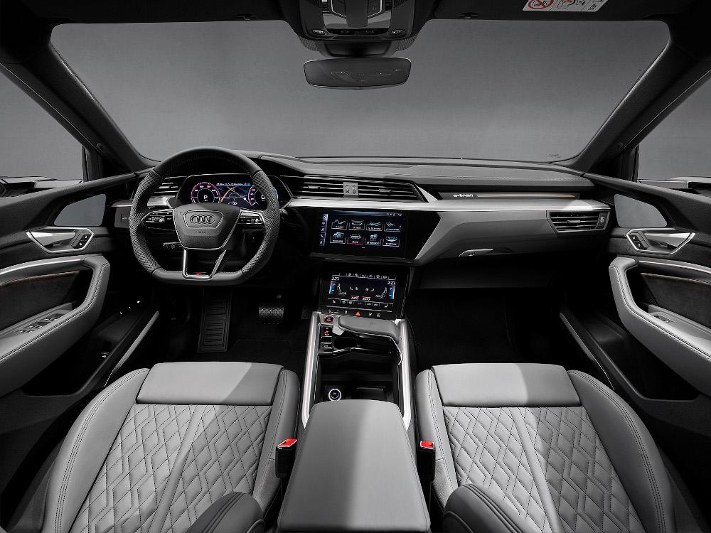 Η Audi αποκαλύπτει τα e-tron S και e-tron S Sportback