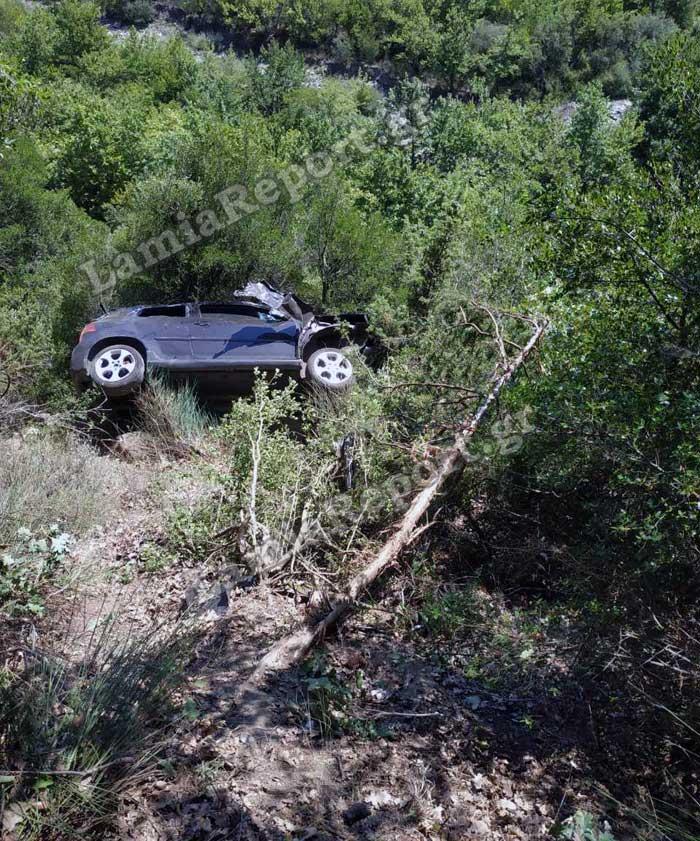 Το όχημα του 90χρονου που βρέθηκε στο γκρεμό