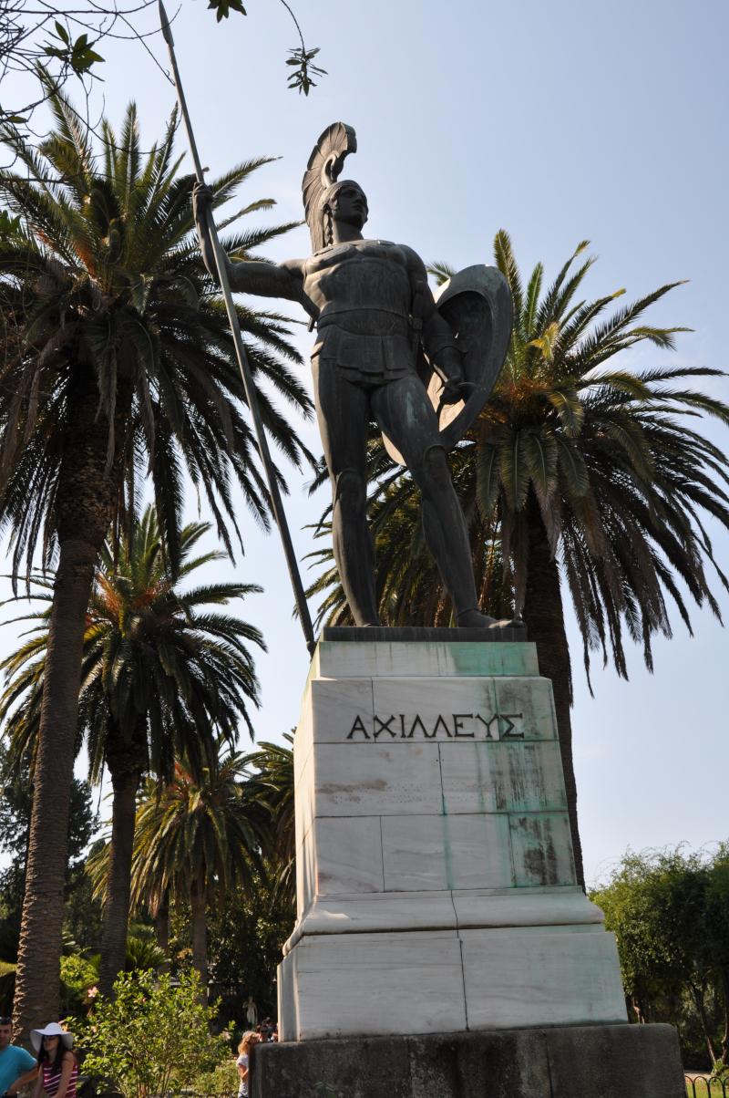 Το εντυπωσιακό χάλκινο άγαλμα του Αχιλλέα