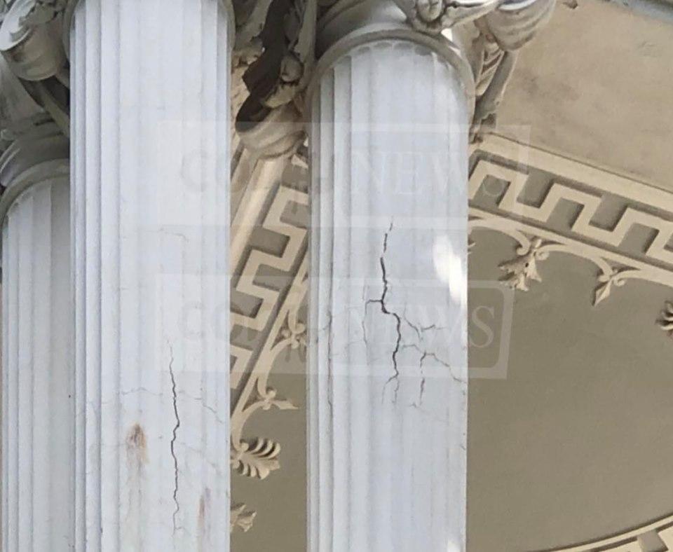 Προβλήματα κολώνες στο Αχίλλειον