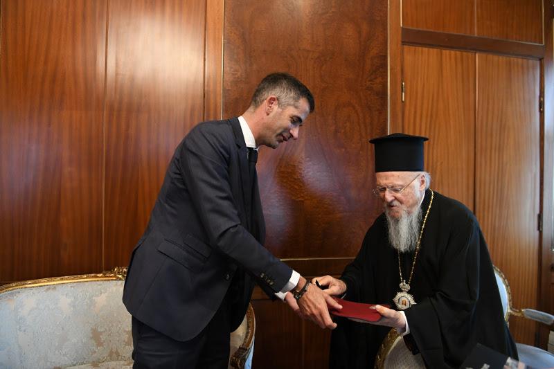 Ο Οικουμενικός Πατριάρχης έδωσε τις Πατριαρχικές ευχές και την ευλογία του στο νεοεκλεγέντα Δήμαρχο Αθηναίων, Κώστα Μπακογιάννη