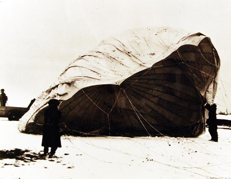 Ιαπωνικό αερόστατο-βόμβα, που βρέθηκε στο Κάνσας τον Φεβρουάριο του 1945.