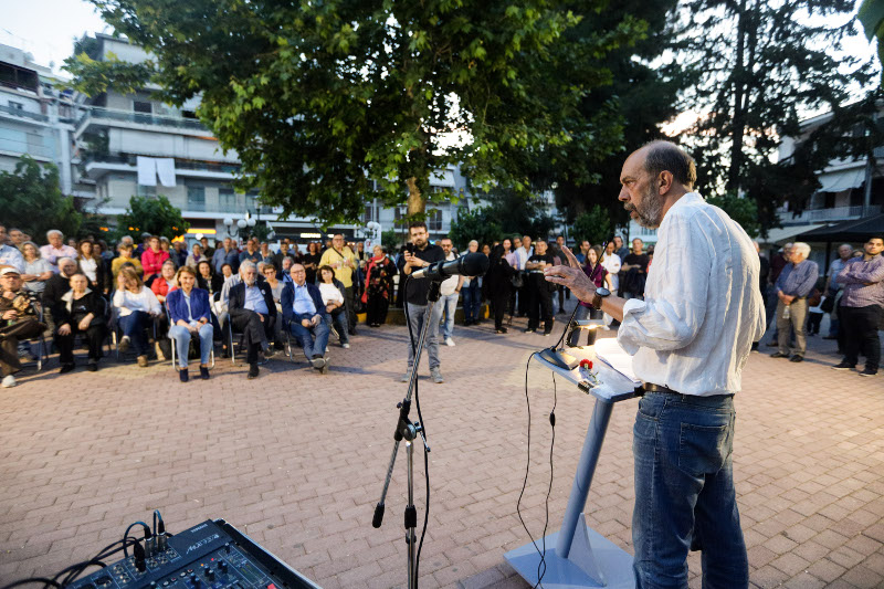Πολύ μικρή η συμμετοχή του κόσμου στην ομιλία Μπελαβίλα στα Καμίνια