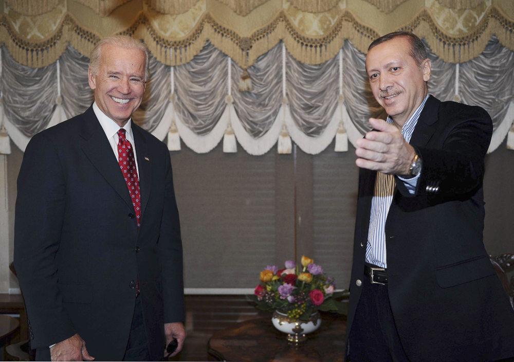 Η πρώτη εμφάνιση του Τούρκου προέδρου μετά το χειρουργείο με τον τότε αντιπρόεδρο των ΗΠΑ, Τζο Μπάιντεν