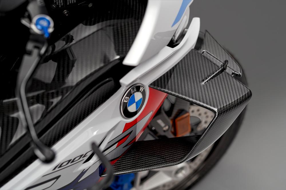 BMW M 1000 RR με 212 άλογα -Εντυπωσιακές εικόνες