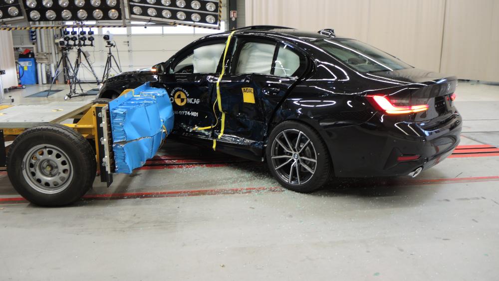 Euro NCAP: Πέντε αστέρια για τη νέα BMW Σειρά 3