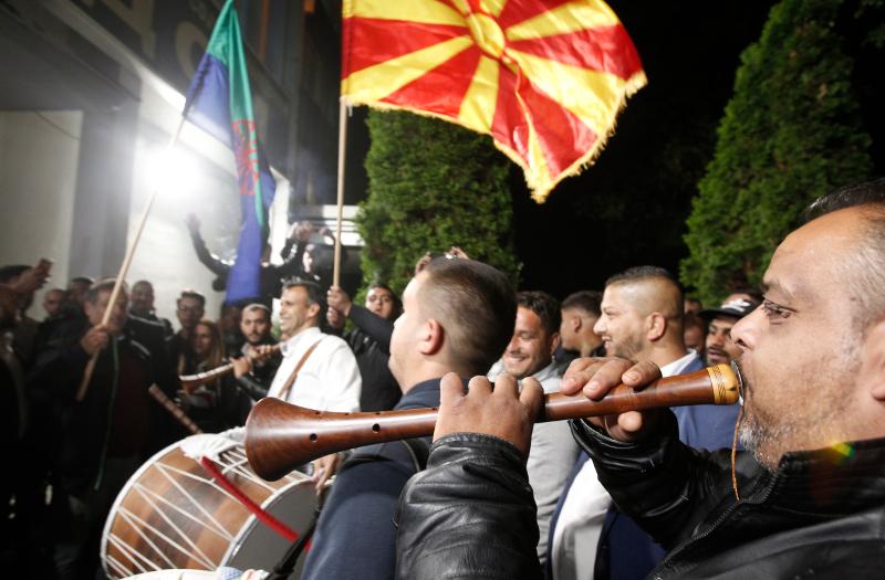 Με μουσική και χορό οι πανηγυρισμοί για τη νίκη του Πεντάροφσκι