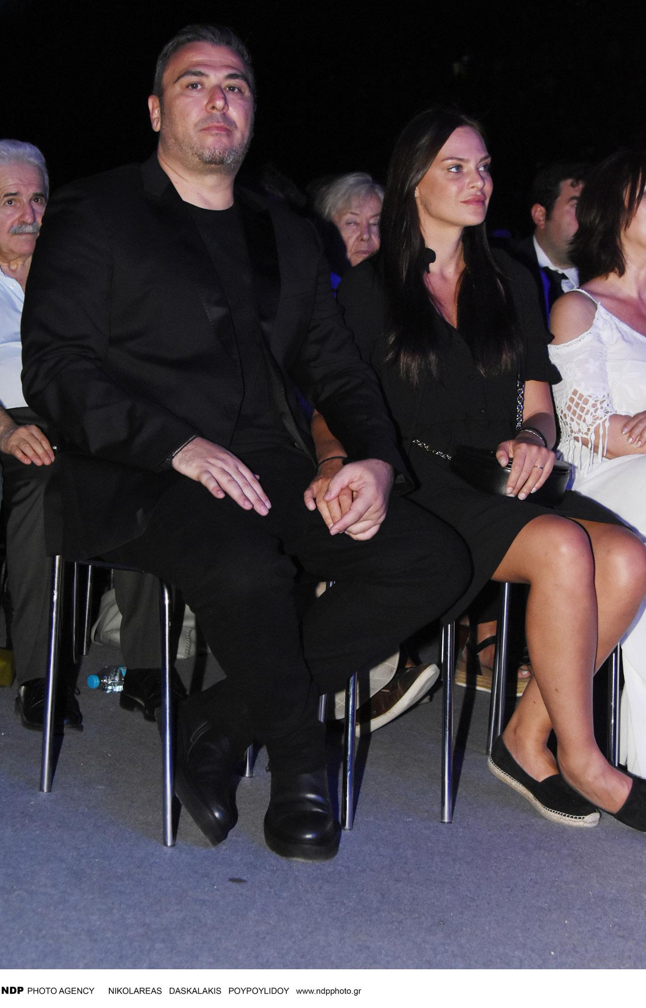Ο Αντώνης Ρέμος και η Υβόννη Μπόσνιακ στη συναυλία για τον Μίκη Θεοδωράκη / Φωτογραφία: NDP