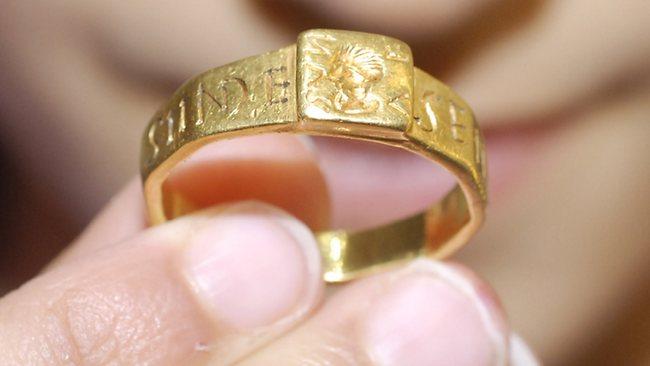 Το δακτυλίδι του Senicianus.