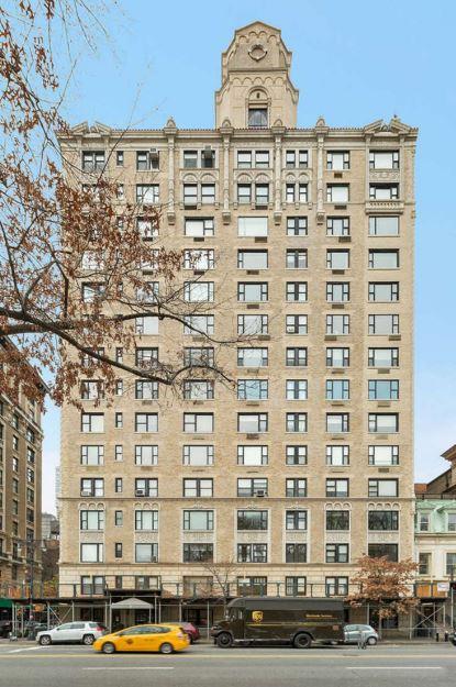 Το νέο διαμέρισμα του Giorgio Armani βρίσκεται στους δύο τελευταίους ορόφους αυτής της πολυκατοικίας