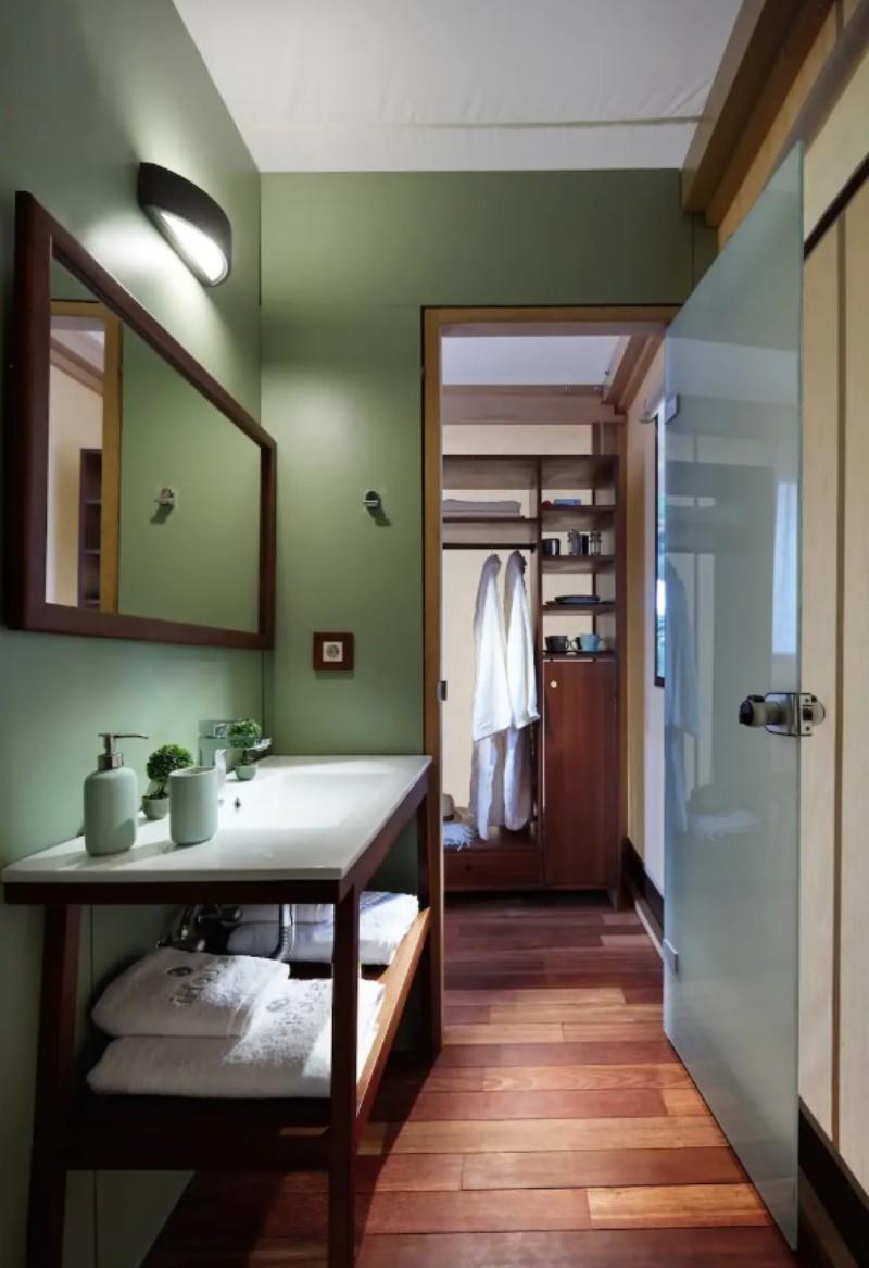 Ο διάδρομος του μπάνιου