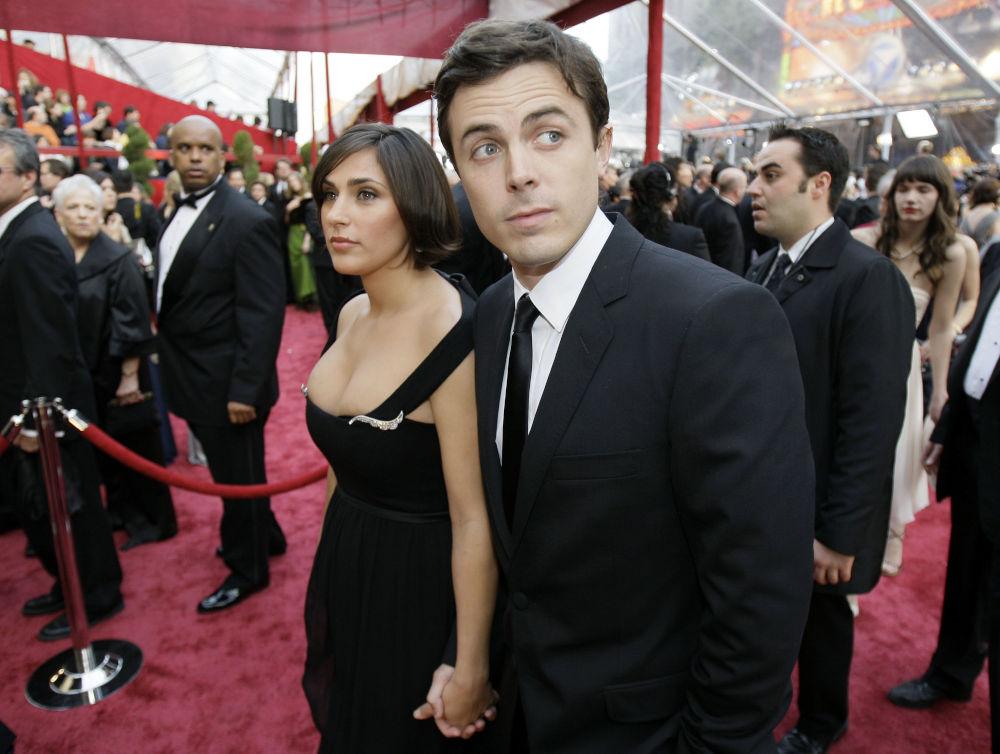 Η αδερφή του Χοακίν Φίνιξ, Σάμερ, με τον τότε σύζυγό της Κέισι Άφλεκ στην απονομή των Όσκαρ 2008