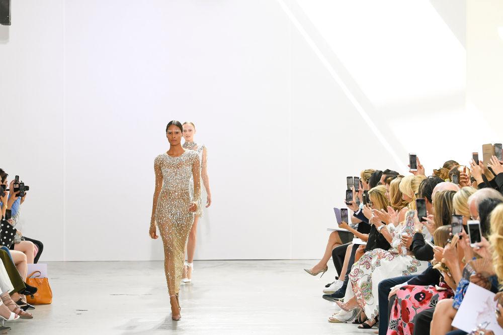 Περισσοτέροι από 500 καλεσμένους στην επίδειξη της Celia Kritharioti Couture Autumn-Winter 2019- 2020, στο Palais de Tokyo στο Παρίσι