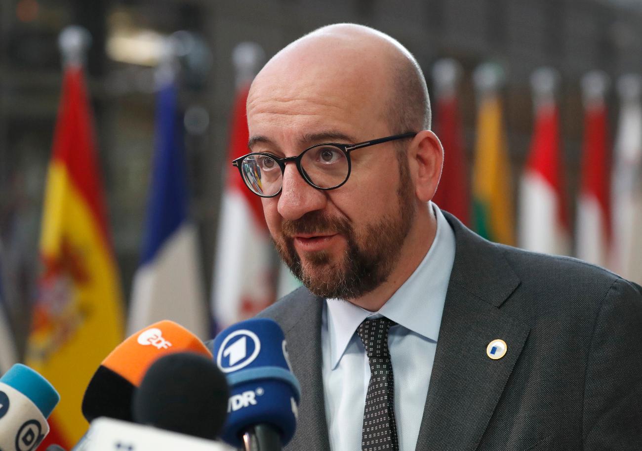 Ο Βέλγος πρωθυπουργός Σαρλ Μισέλ μιλά σε δημοσιογράφους στις Βρυξέλλες