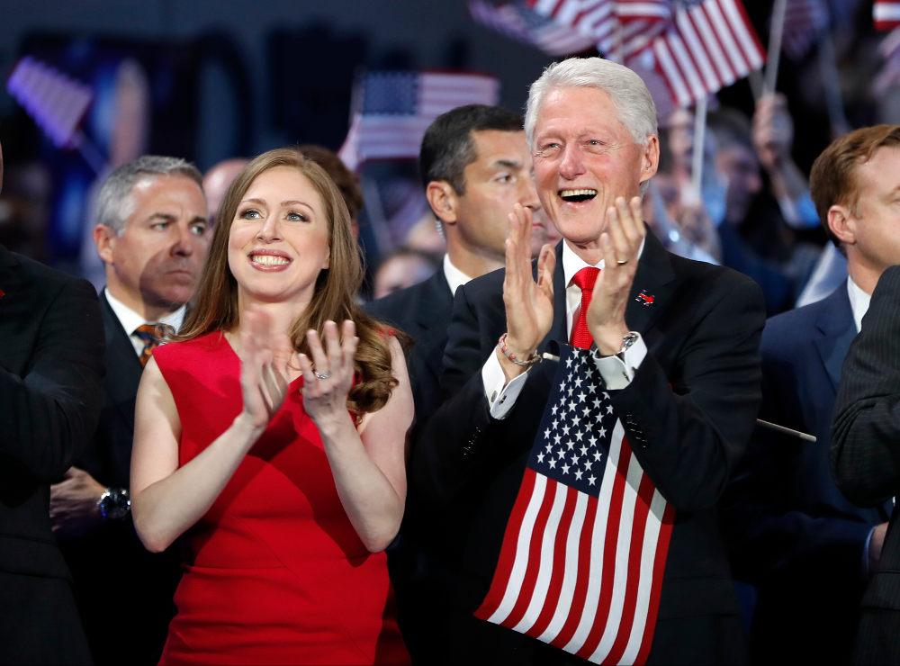 Η Τσέλσι και ο Μπθλ Κλίντον στην προεκλογική εκστρατεία της Χίλαρι το 2016