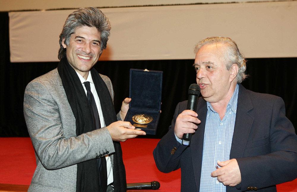 To 2006 βραβεύτηκε με τιμητικό βραβείο για την προσφορά του στο Φεστιβάλ Θεσσαλονίκη. Την βράβευση έκανε ο ηθοποιός Γιώργος Χωραφάς